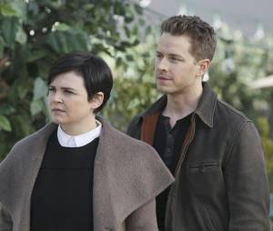 Once Upon a Time saison 4, épisode 20 : Snow (Ginnifer Goodwin) et Charming (Josh Dallas) sur une photo