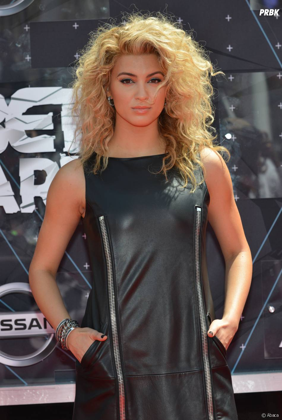 Tori Kelly sur le tapis rouge des BET Awards, le 28 juin 2015