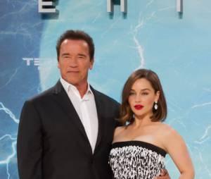 Emilia Clarke et Arnold Schwarzenegger pendant la promo de Terminator Genisys, le 21 juin 2015 à Berlin