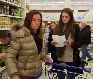 L'amour est dans le pré 2015 : Kim et Mélodye se clashent au supermarché pour une boîte de champignons