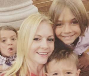 Melissa Joan Hart entourée de ses enfants