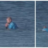 Flippant : un surfeur attaqué par un requin en direct à la télé pendant une compétition