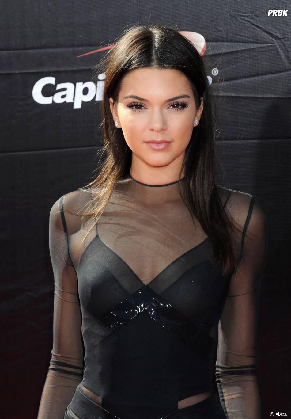 Kendall Jenner : un piercing au téton pour la star ?