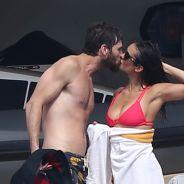 Nina Dobrev et Austin Stowell en couple : bisous et câlins pendant leurs vacances à Saint-Tropez