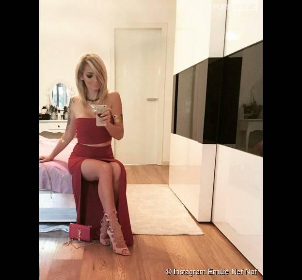 Emilie Nef Naf en femme fatale sur Instagram