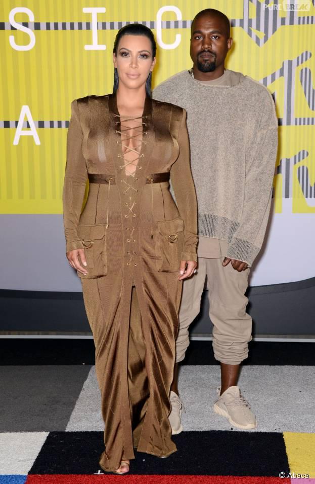 Kim Kardashian enceinte et Kanye West aux MTV VMA 2015