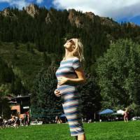 Candice Accola (The Vampire Diaries) enceinte : son baby bump de nouveau exposé sur Instagram