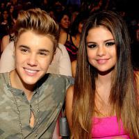"""Justin Bieber célibataire à cause de son """"coeur brisé"""" : un message à Selena Gomez ?"""