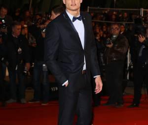 Florent Manaudou classe et sexy sur le tapis rouge des NRJ Music Awards 2014, à Cannes