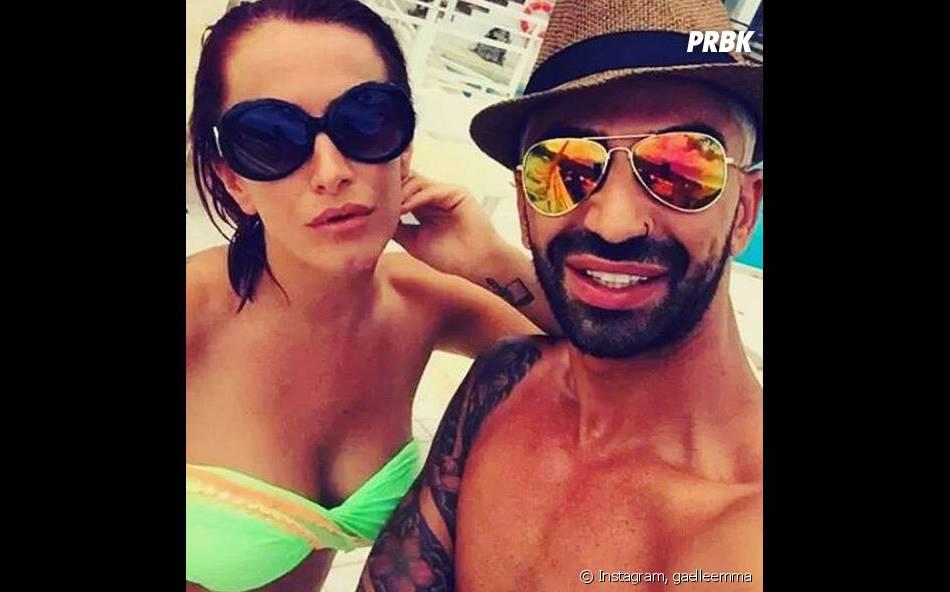 Gaëlle Petit (Les Ch'tis VS Les Marseillais) et son meilleur ami à Ibiza