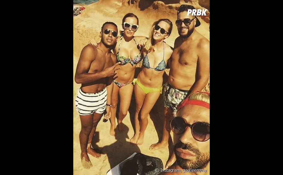 Gaëlle Petit (Les Ch'tis VS Les Marseillais) en vacances à Ibiza avec des amis