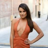 Lea Michele : robe moulante et décolleté (très) plongeant chez Jimmy Kimmel