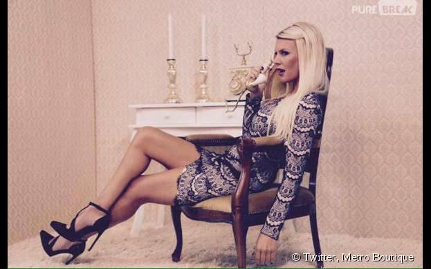 Amélie Neten en robe sexy pour le shooting de sa collection de vêtements Metro Boutique