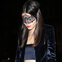 Kendall Jenner et Cara Delevigne ultra sexy à Londres : jupe transparente VS soutien-gorge apparent