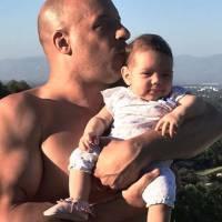 Vin Diesel papa poule : photo câline avec sa fille Pauline sur Facebook
