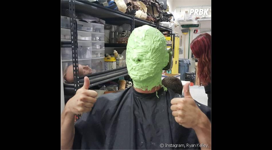 Teen Wolf saison 5 : Ryan Kelley (Parrish) est The Mask sur Instagram