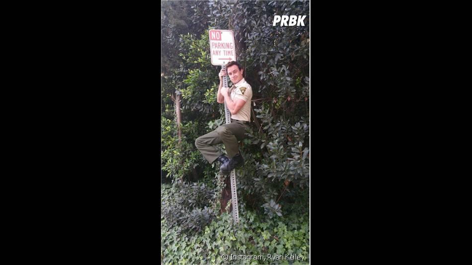 Teen Wolf saison 5 : Ryan Kelley (Parrish) et un panneau sur Instagram