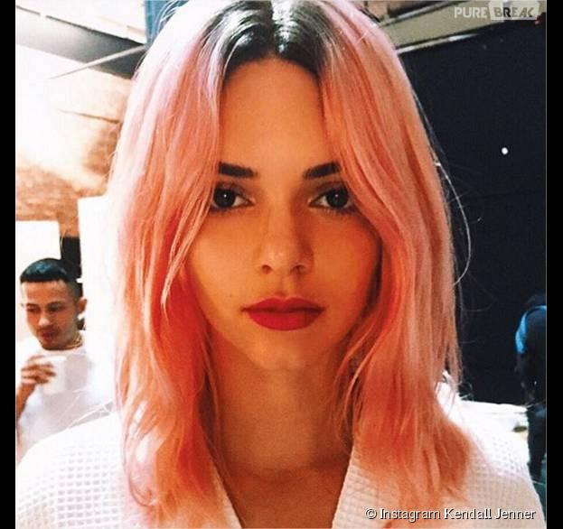 Kendall Jenner avec les cheveux roses sur Instagram