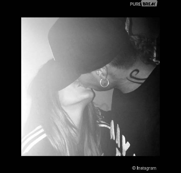 Anaïs Camizuli et Eddy : bisou sur la bouche sur Instagram, le 6 novembre 2015