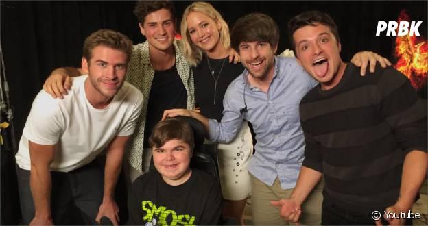 """Jennifer Lawrence piège les deux Youtubeurs """"Smosh"""" avec l'aide d'un garçon atteint de dystrophie musculaire"""