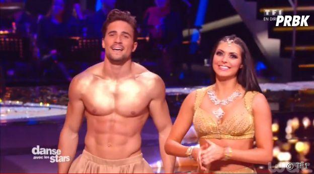Olivier Dion sexy et torse nu dans Danse avec les stars 6 sur un Bollywood, le samedi 21 novembre 2015 sur TF1