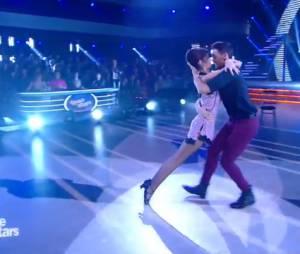 Sophie Vouzelaud et Maxime Dereymez (Danse avec les stars 6) sur un tango argentin sexy le 21 novembre 2015