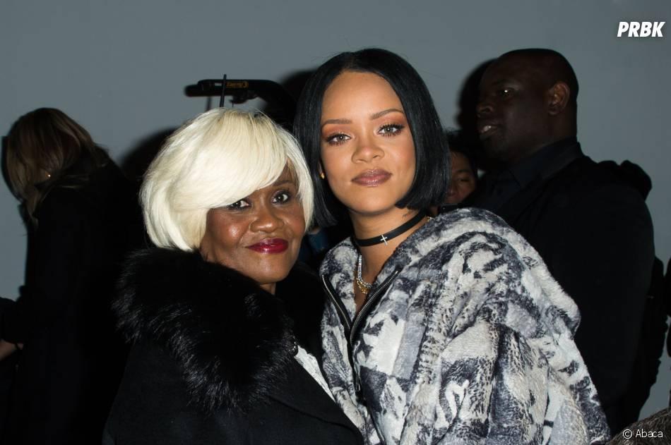 Rihanna et sa maman pour le défilé Fenty Puma by Rihanna pendant la Fashion Week de New-York, le 12 février 2016