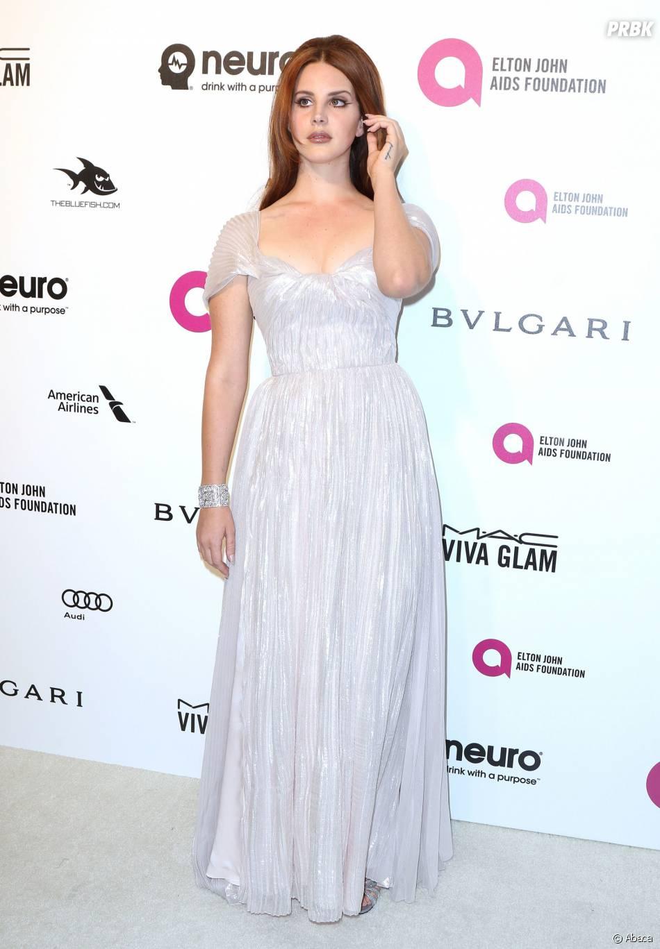 Lana Del Rey à la soirée organisée par Elton John pour les Oscars le 28 février 2016