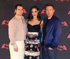 Gal Gadot avec Henry Cavill et Ben Affleck pour la promo de Batman v Superman