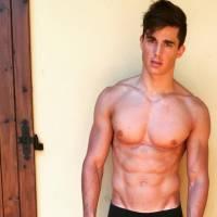 Pietro Boselli, le prof le plus sexy de la planète devient mannequin pro