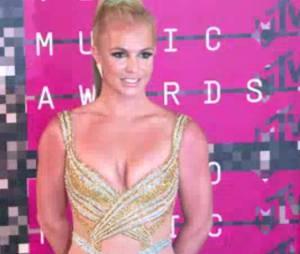 Britney Spears, reine des tenues hot comme ici aux MTV Awards 2015, pourrait incarner Cendrillon.