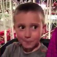 Un père sauve son fils dans un grand huit : la vidéo qui fait froid dans le dos
