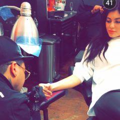 Kylie Jenner se fait tatouer en direct sur Snapchat