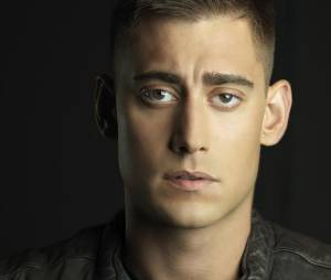 Once Upon a Time saison 5 : Michael Socha clashe la série