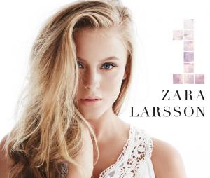 Zara Larsson donne de la voix pour les fans de football !