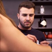 Kevin d'Andréa (Top Chef 2015) : quand le cuistot cuisine sur... une femme topless 🔥