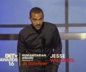 Jesse Williams : son discours après avoir reçu le prix de l'humanitaire de l'année aux BET Awards 2016