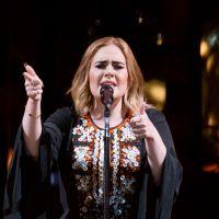 """Arnaques Facebook : il trouve la réponse parfaite pour dégoûter l'escroc avec """"Hello"""" d'Adele 🎶"""