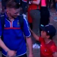 Euro 2016 : Mathis, le jeune fan du Portugal qui a consolé un Français se confie sur son geste