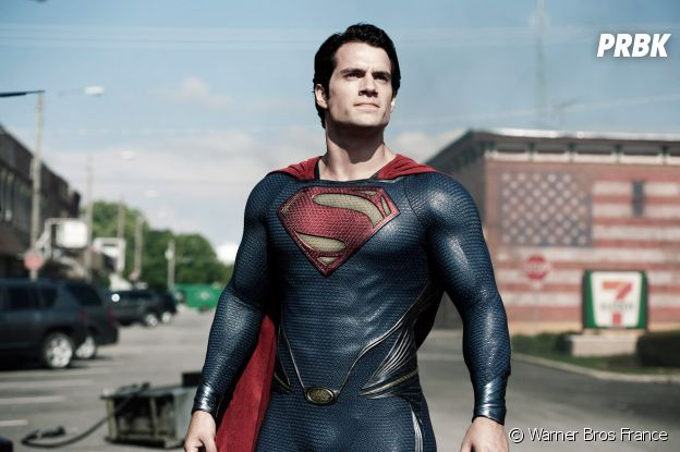 Henry Cavill en Superman dans Man of Steel