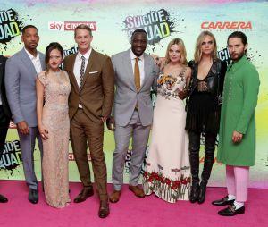 Une partie de l'équipe du film à la première de Suicide Squad à Londres.