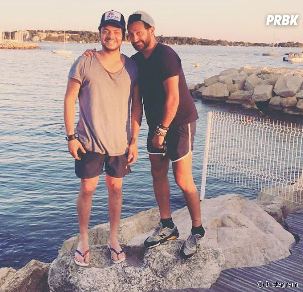 Kev Adams et Cyril Hanouna en vacances dans le sud.