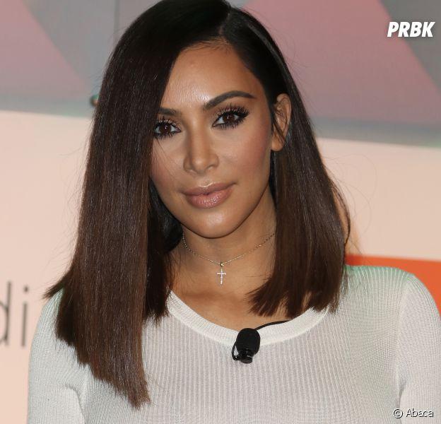 Kim Kardashian a révélé peser 56 kilos depuis sa perte de poids, mais des nutritionnistes pensent qu'elle ment et ferait en fait 64 kilos.