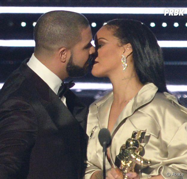 Rihanna : non elle n'a pas mis un vent à Drake lors des MTV VMA ce dimanche 28 août 2016, la preuve !