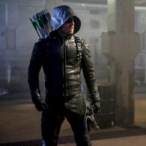 Arrow saison 5 : le nouveau méchant ultra badass se dévoile en images