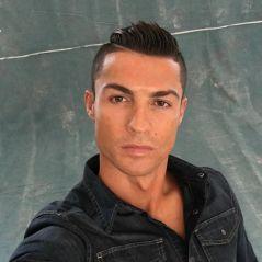 """Cristiano Ronaldo trop botoxé sur ce selfie ? """"on dirait un Action Man"""""""