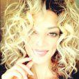 Emilie Nef Naf a opté pour une toute nouvelle coupe de cheveux que ses fans comparent à Khloe Kardashian et Olivia Newton-John dans Grease.