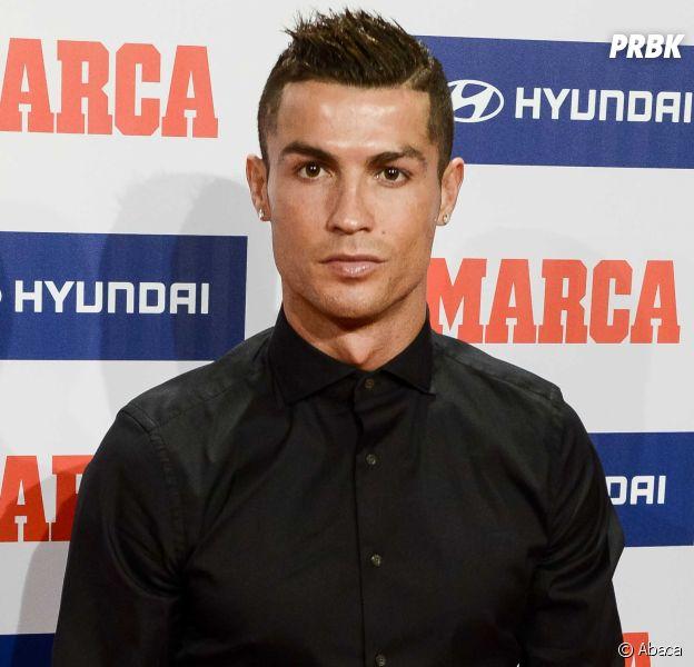 "Cristiano Ronaldo gay ? Koke de l'Atlético le traite de ""pédé"", CR7 confirme."