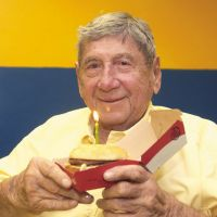 McDonald's : l'inventeur du Big Mac est mort, Twitter lui rend hommage 🍔