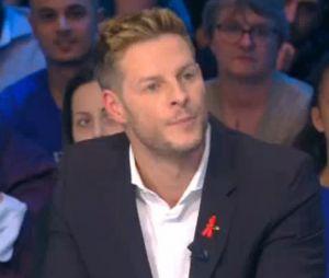 Matthieu Delormeau énervé contre Ayem Nour : il est harcelé par téléphone à cause de l'animatrice.
